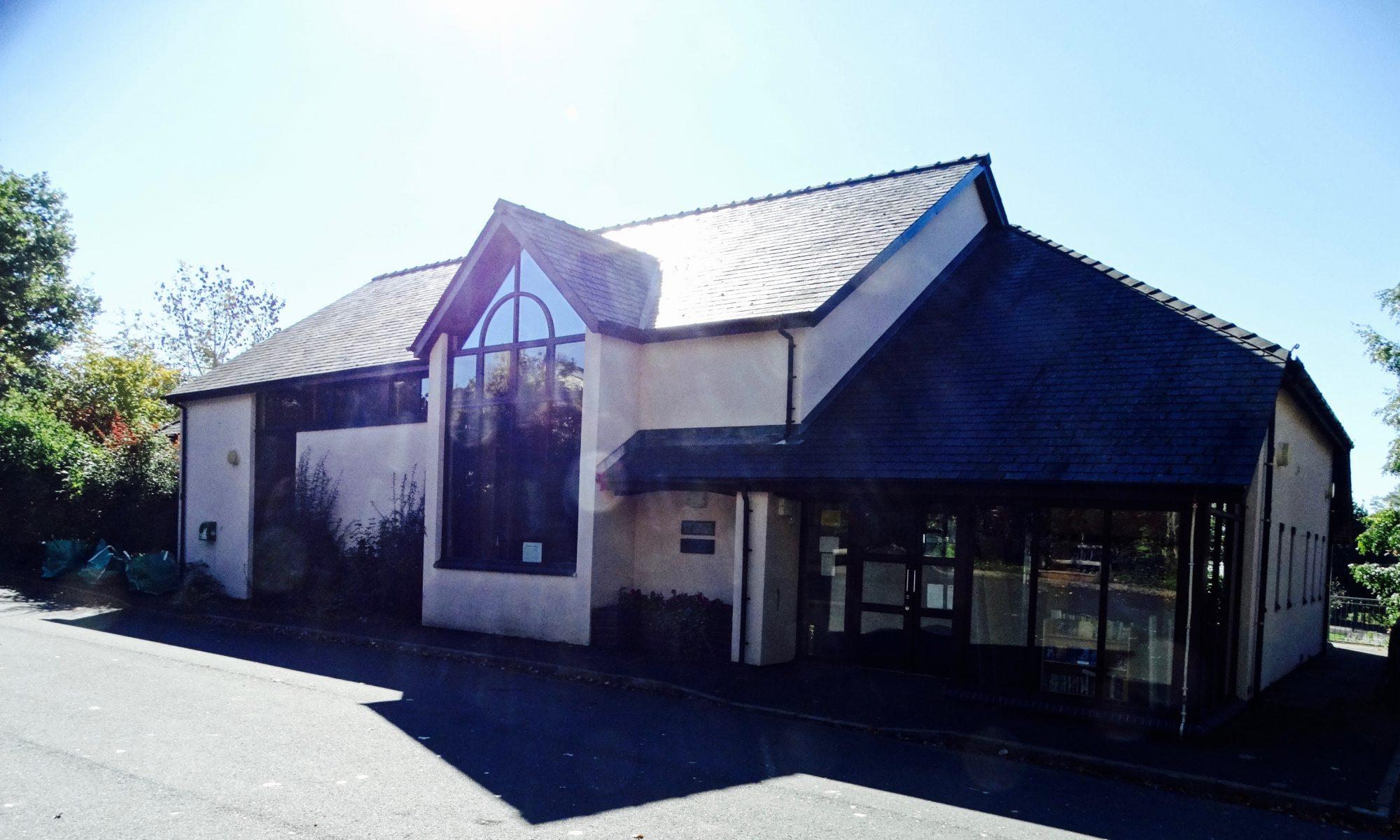 Llangors Community Centre Canolfan Cymuned Llangors